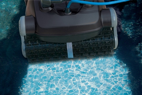 Best 5 Reasons To Invest In A Robotic Pool Cleaner Picture