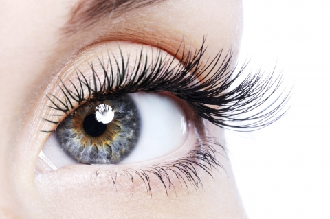How to Make Your Own Lash Growth Serum Picture