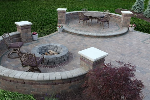 Outdoor Entertainment Area Designs Picture